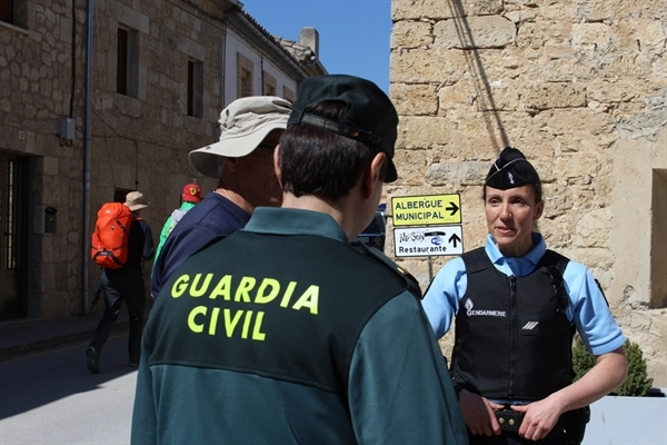 1. SEGURIDAD JACOBEA 2017. Guardia Civil y Gendarme GNF